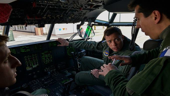 Ramstein Airmen familiarizes French air force on US C-130s